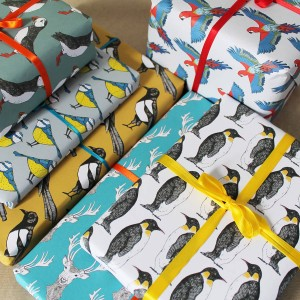 original_party-penguin-gift-wrap